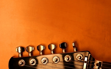 6976303-guitar-tuning-keys